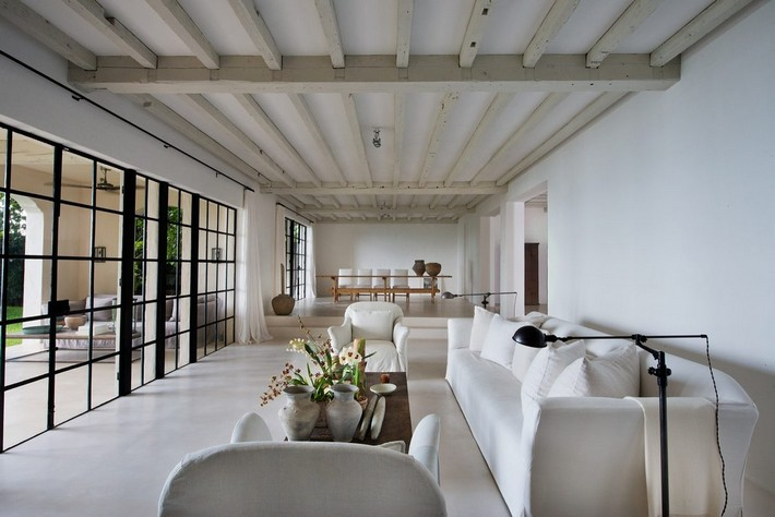 CALVIN KLEIN'S MIAMI BEACH HOME HITS REAL ESTATE MARKET  CALVIN KLEIN'S MIAMI BEACH HOME HITS REAL ESTATE MARKET 1433525789 syn 39 1433363128 5567 living room with dining view for web