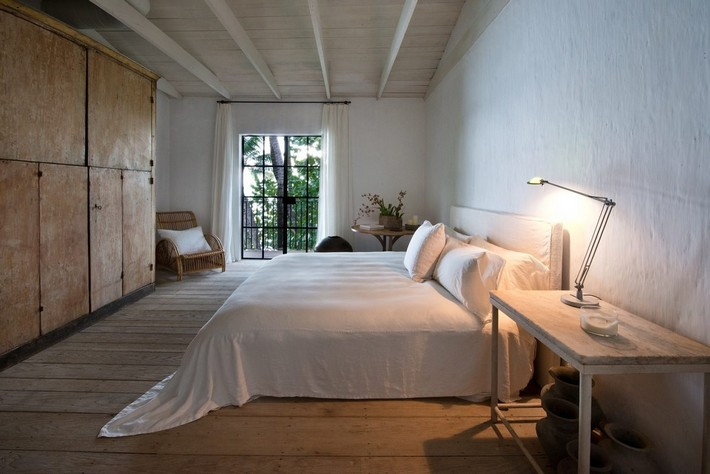 CALVIN KLEIN'S MIAMI BEACH HOME HITS REAL ESTATE MARKET  CALVIN KLEIN'S MIAMI BEACH HOME HITS REAL ESTATE MARKET 1433525794 syn 39 1433363450 5495 bedroom single bed for web