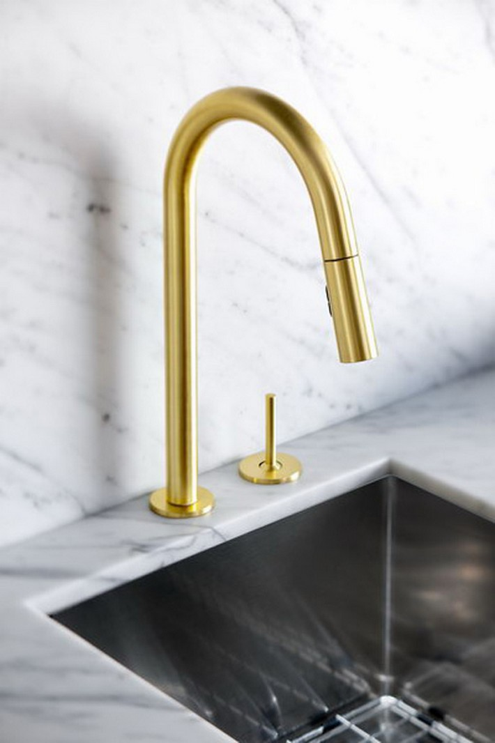 GOLD IS CHIC AND MODERN: BRASS FIXTURES TO UPGRATE YOUR KITCHEN  GOLD IS CHIC AND MODERN: BRASS FIXTURES TO UPGRATE YOUR KITCHEN Golden details