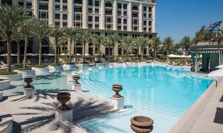 Grand opening of the luxury hotel palazzo versace in dubai for Nice hotels in dubai