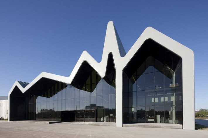 World renowned architect zaha hadid dies at 65 news and for Architecture zaha hadid