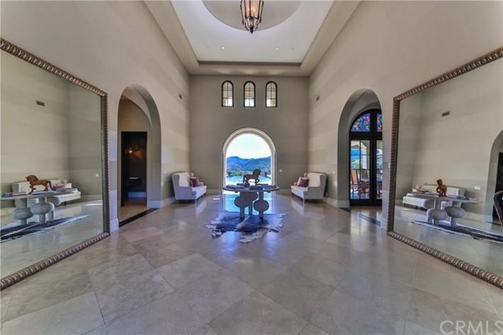 Britney Spears's $8.9 Million California Dream's House is for Sale 2 britney spears Britney Spears's $8.9 Million California Dream's House is for Sale Britney Spearss 8