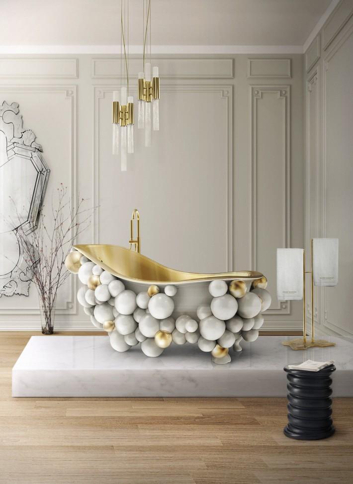 Newton White Bathtub: Bubble Bathing Never Felt So Good   Newton White Bathtub Newton White Bathtub: Bubble Bathing Never Felt So Good Newton White Bathtub Lifestyle Image