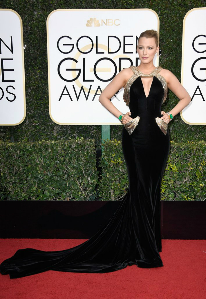 2017-golden-globe-awards-best-fashion-dresses-from-the-red-carpet-blake-lively 2017 Golden Globe Awards 2017 Golden Globe Awards: Best Fashion Dresses from the Red Carpet 2017 Golden Globe Awards Best Fashion Dresses from the Red Carpet Blake Lively