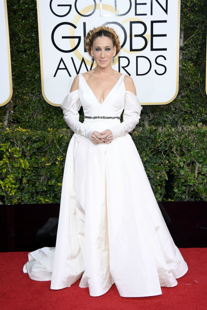 2017-golden-globe-awards-best-fashion-dresses-from-the-red-carpet-sarah-jessica-parker 2017 Golden Globe Awards 2017 Golden Globe Awards: Best Fashion Dresses from the Red Carpet 2017 Golden Globe Awards Best Fashion Dresses from the Red Carpet Sarah Jessica Parker