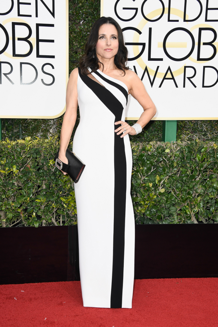 2017-golden-globe-awards-best-fashion-dresses-from-the-red-carpet-julia-louis-dreyfus 2017 Golden Globe Awards 2017 Golden Globe Awards: Best Fashion Dresses from the Red Carpet 2017 Golden Globe Awards Best Fashion Dresses from the Red Carpet julia louis dreyfus