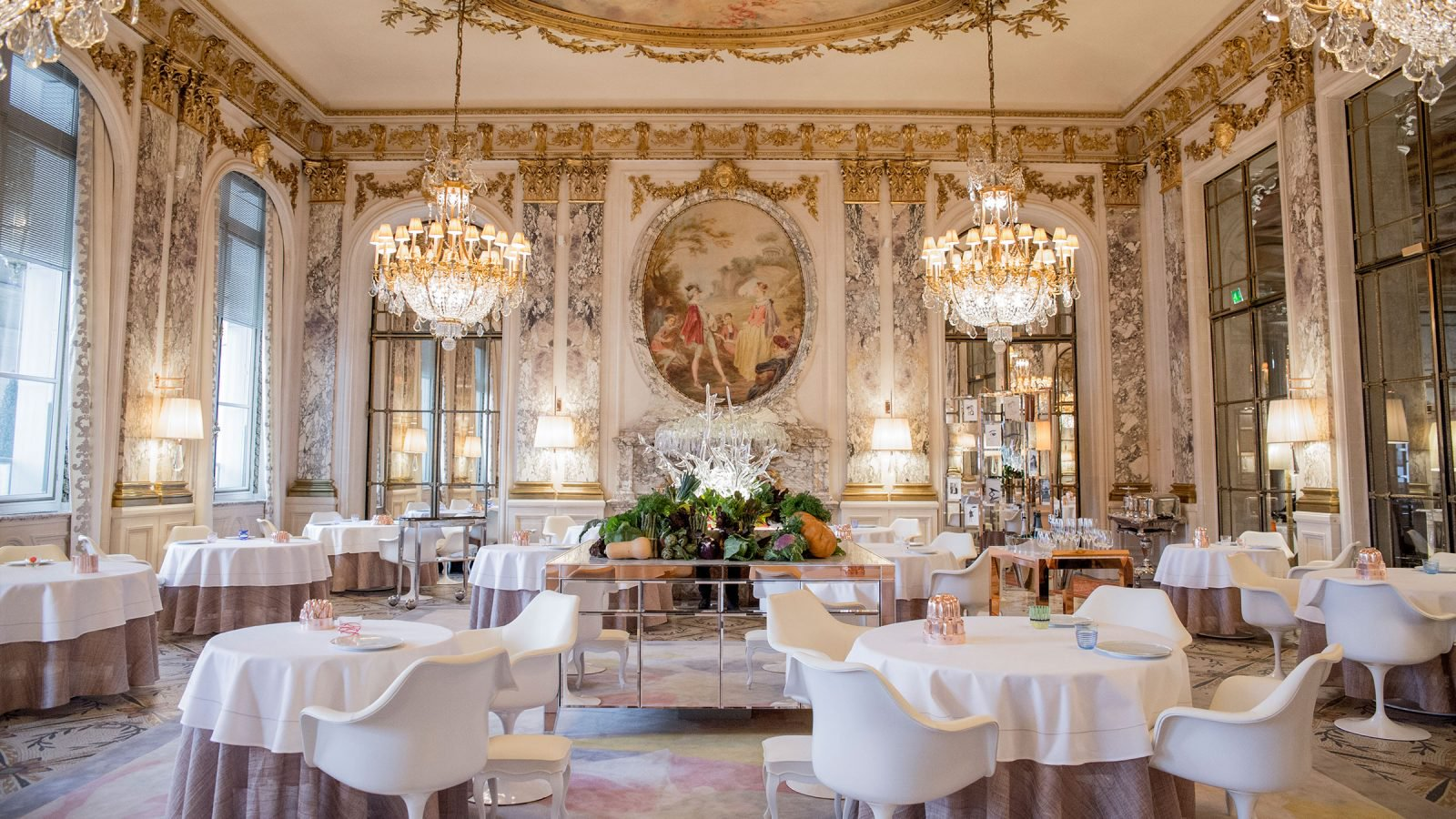 5 Amazing Hotels to Stay and Have a Celeb Sighting Experience  5 Amazing Hotels to Stay and Have a Celeb Sighting Experience 5 Amazing Hotels to Stay and Have a Celeb Sighting Experience paris le meurice restaurant le meurice alain ducasse 1