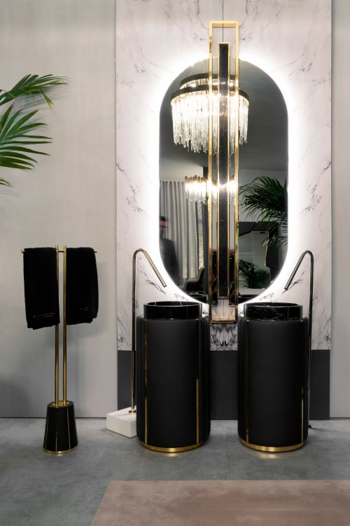 darian-freestanding-and-shield-mirror-make-the-perfect-inspired-bathroom-decoration
