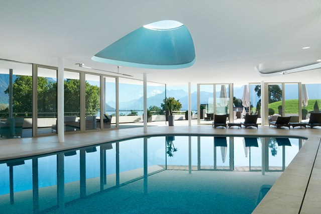 spas THE WORLD´S TOP 10 SPAS coverhj