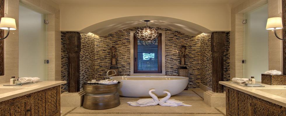 Luxury Bathrooms: Freestanding bathtubs define luxurious trends to modern bathrooms  cover1