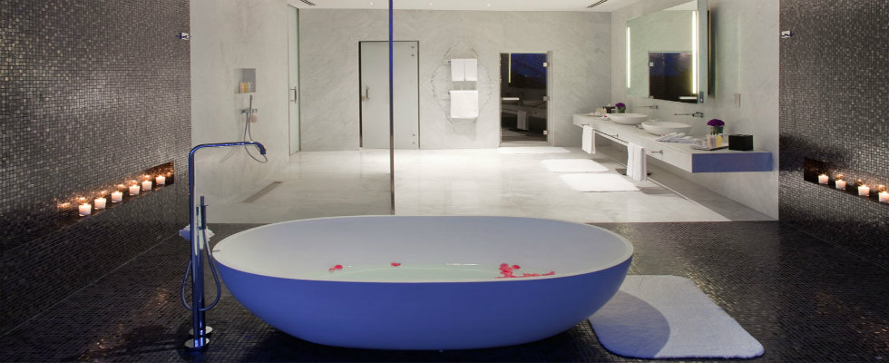 hotel bathrooms Stunning Hotel Bathrooms That You'll Love feature MV