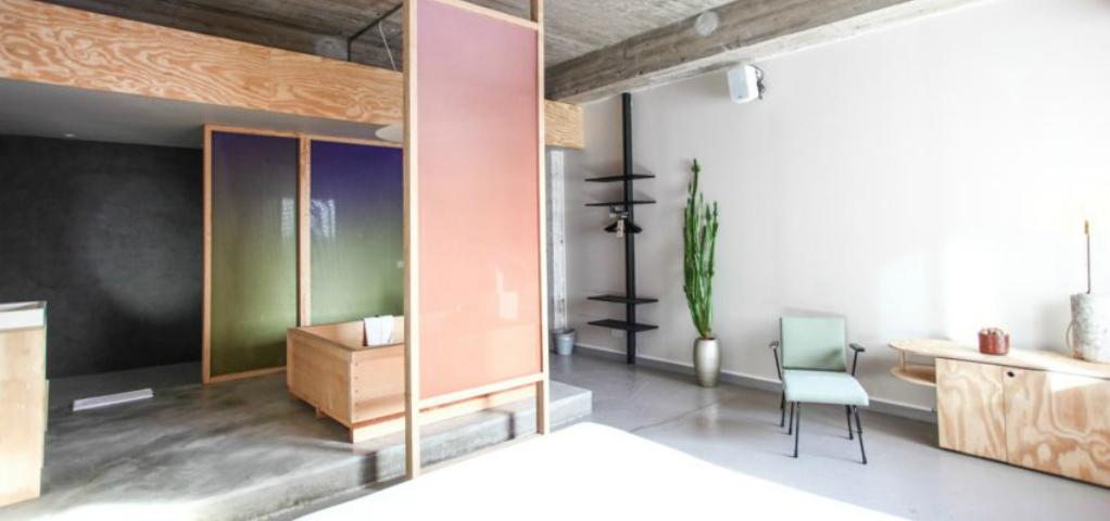 10 Extreme Minimalist Bathrooms with Essential Accessories 10 best minimalist bathrooms roundup dezeen 2364 ss 1 852x479
