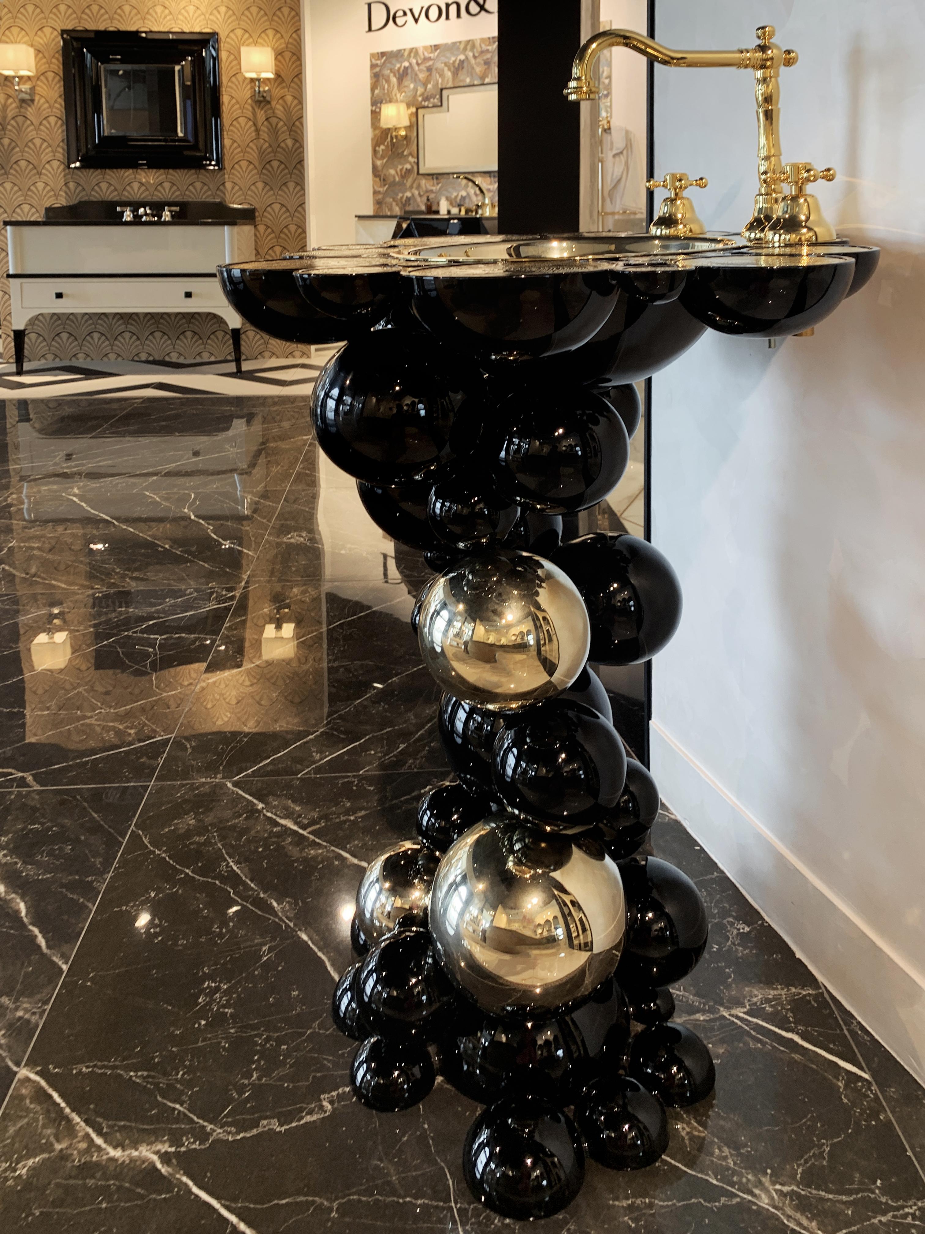 casa milano, luxury bathroom design scene, maison valentina, versace, bathroom casa milano Casa Milano Takes Dubai's Luxury Bathroom Design Scene to a New Level Casa Milano Showroom Dubai3