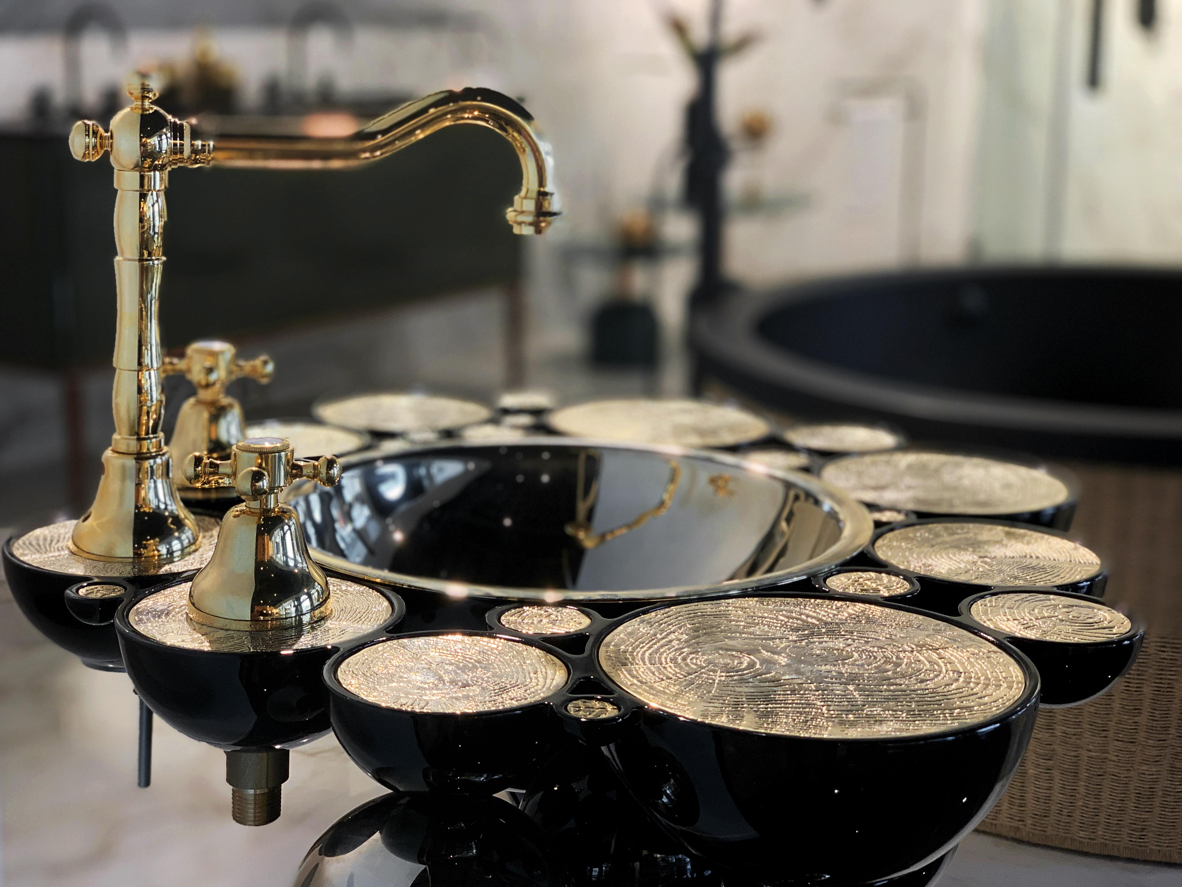 casa milano, luxury bathroom design scene, maison valentina, versace, bathroom casa milano Casa Milano Takes Dubai's Luxury Bathroom Design Scene to a New Level Casa Milano Showroom Dubai4
