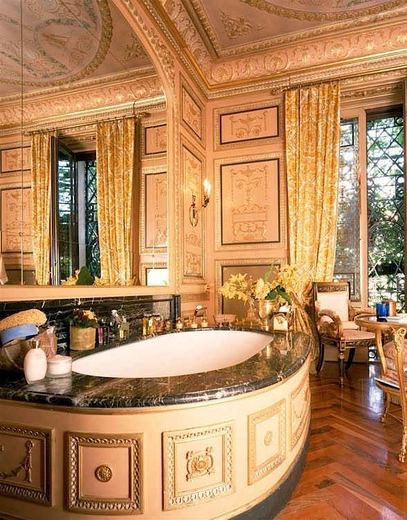 Celebrities Open Their Homes to You: 5 Luxury Bathroom Design Projects Donatella versace apartment