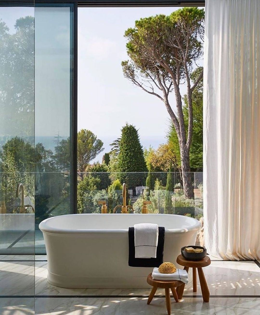 Bathroom With a View, bathroom, view, design, bathtub, maison valentina, bathroom  Bathroom With a View: 7 Captivating Designs Humbert Payer