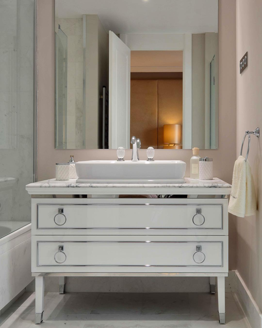 Dôme Interiors - The Elegance And Sophistication Of Interior Design dôme interiors Dôme Interiors – The Elegance And Sophistication Of Bathroom Design D  me Interiors The Elegance And Sophistication Of Interior Design 4