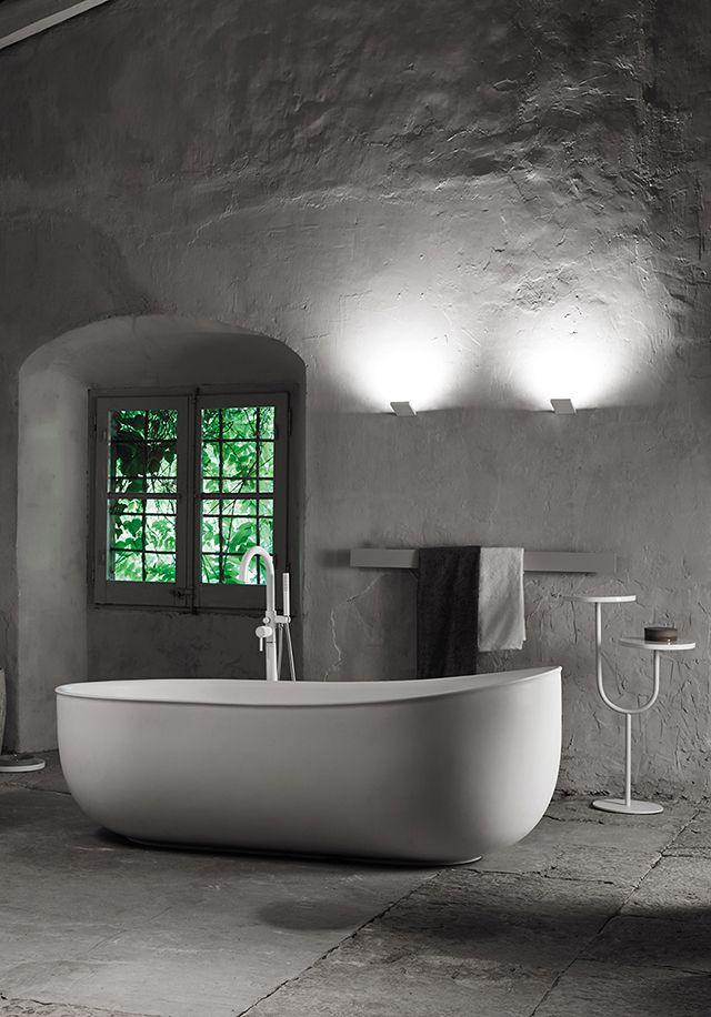 glamorous bathtubs 15 Most Glamorous Bathtubs to Have in 2021 074288c8ffe82ad57f75e54e73220a8e