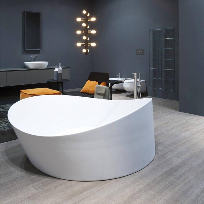 glamorous bathtubs 15 Most Glamorous Bathtubs to Have in 2021 18527 1080x1080 1 e1609942783607