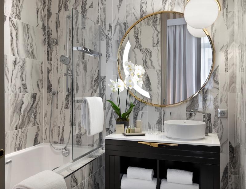 Fascinating Bathrooms from the best Interior Designers of Paris  fascinating bathrooms from the best interior designers of paris Fascinating Bathrooms from the best Interior Designers of Paris Paris Bathroom Designer Phillipe Nuel