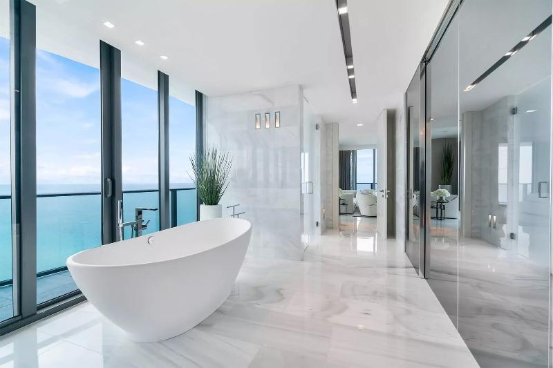 Miami Interior Designers: Get To Know Our Top 20 Bathroom Designs miami interior designers Miami Interior Designers: Get To Know Our Top Bathroom Designs Miami Interior Designers  Get To Know Our Top 20 Bathroom Designs 4