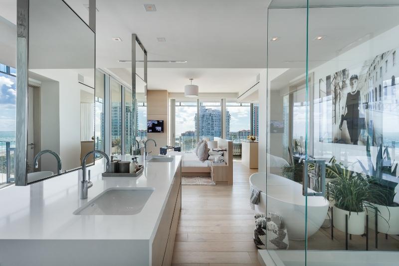 Miami Interior Designers: Get To Know Our Top 20 Bathroom Designs miami interior designers Miami Interior Designers: Get To Know Our Top Bathroom Designs Miami Interior Designers  Get To Know Our Top 20 Bathroom Designs 7 1