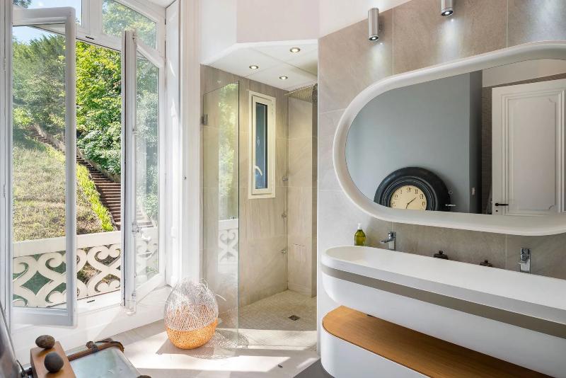 Amazing Designers to transform your bathroom in LYON amazing designers to transform your bathroom in lyon Amazing Designers to transform your bathroom in LYON SYNESTHESIES MV