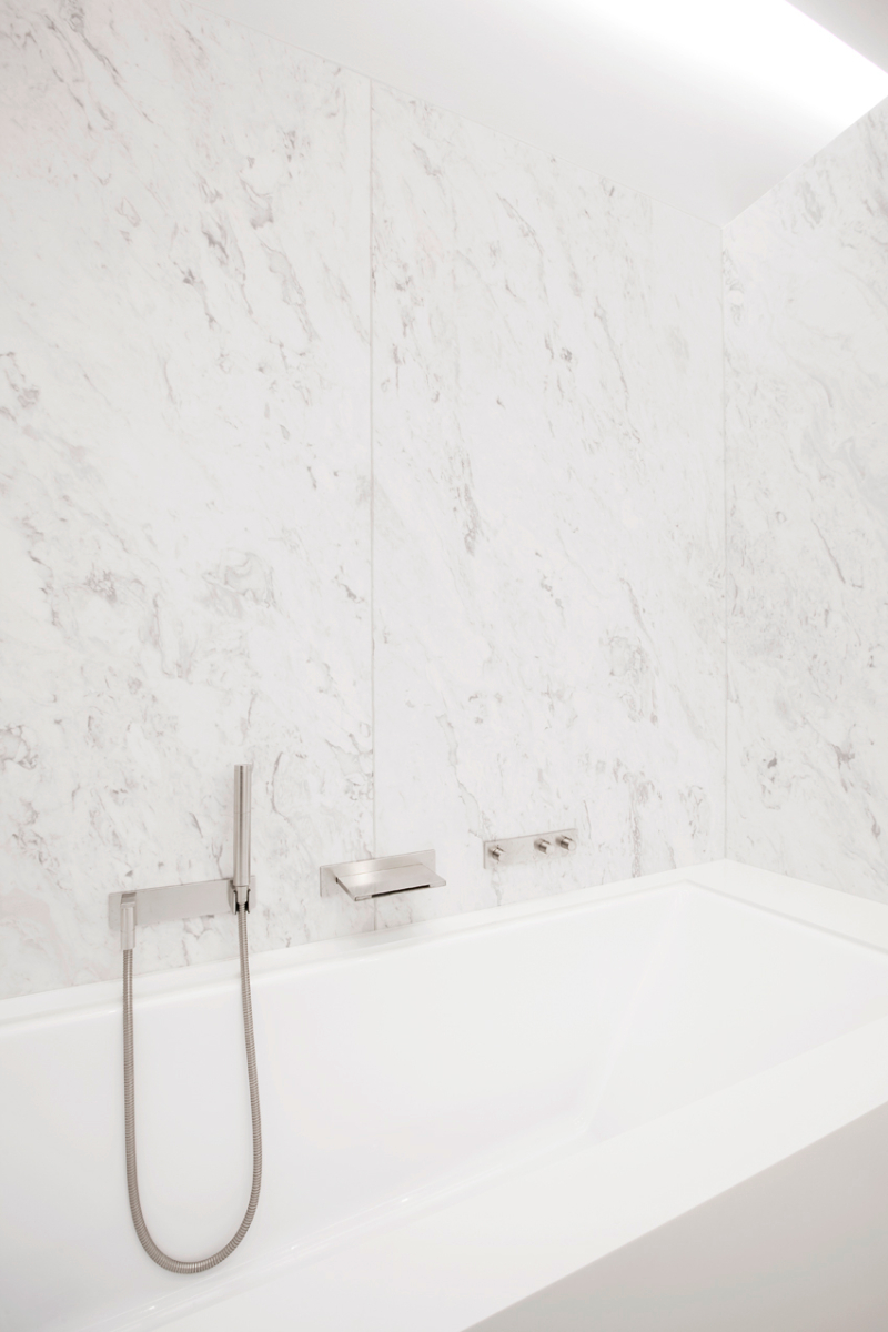 Contemporary bathrooms projects from Berlin Interior Designers contemporary bathrooms Contemporary bathrooms projects from Berlin Interior Designers philip 1