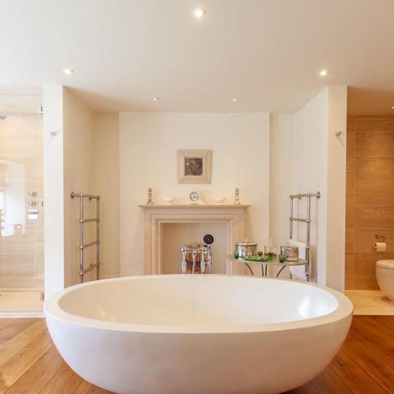 Top Interior Designers in London top interior designers in london Top Interior Designers in London to Create the Perfect Bathroom Catherine Henderson Interior Design
