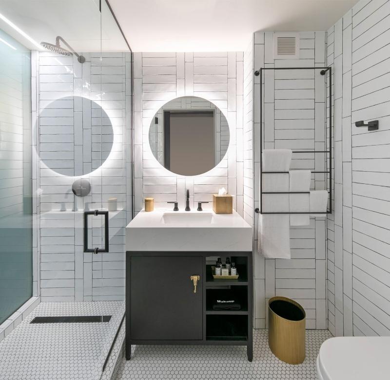 Miami Interior Designers: Get To Know Our Top Bathroom Designs miami interior designers Miami Interior Designers: Get To Know Our Top Bathroom Designs Miami Interior Designers  Get To Know Our Top Bathroom Designs 11 1