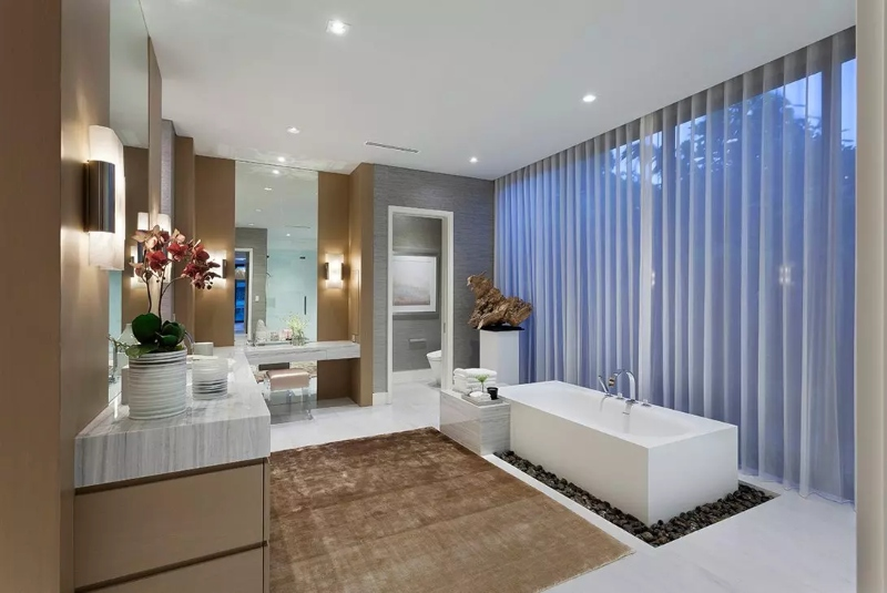 Miami Interior Designers: Get To Know Our Top Bathroom Designs miami interior designers Miami Interior Designers: Get To Know Our Top Bathroom Designs Miami Interior Designers  Get To Know Our Top Bathroom Designs 19