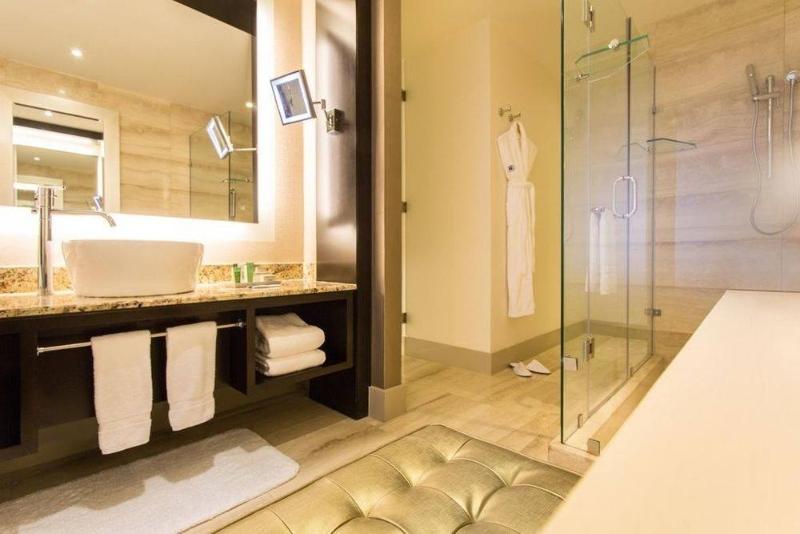 Miami Interior Designers: Get To Know Our Top Bathroom Designs miami interior designers Miami Interior Designers: Get To Know Our Top Bathroom Designs Miami Interior Designers  Get To Know Our Top Bathroom Designs 2