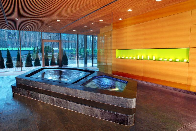 Contemporary interiors with distinctive bathroom designs by 4a Architekten 4a architekten Contemporary interiors with distinctive bathroom designs by 4a Architekten 10