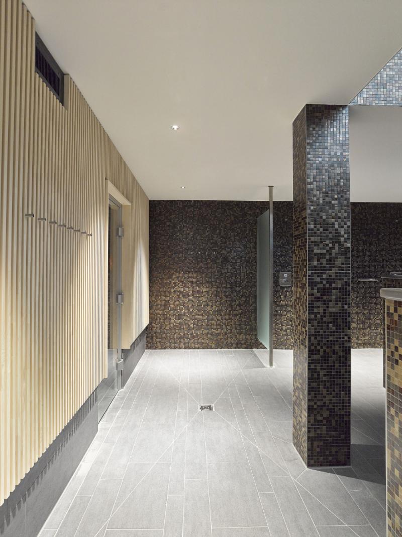 Contemporary interiors with distinctive bathroom designs by 4a Architekten 4a architekten Contemporary interiors with distinctive bathroom designs by 4a Architekten 8