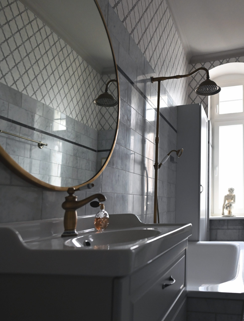 Modern classic bathrooms ideas with Isabella Hamann isabella hamann Modern classic bathrooms ideas with Isabella Hamann ART NOUVEAU APARTMENT