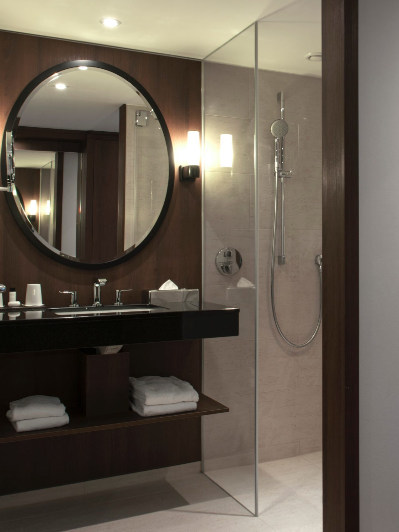 Modern classic bathrooms ideas with Isabella Hamann isabella hamann Modern classic bathrooms ideas with Isabella Hamann HOTEL SPEICHERSTADT HAMBURG2