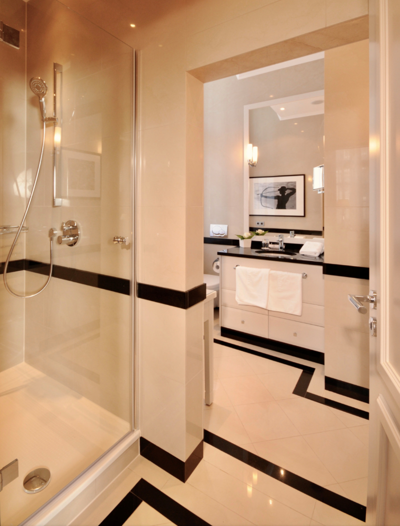 Modern classic bathrooms ideas with Isabella Hamann isabella hamann Modern classic bathrooms ideas with Isabella Hamann Hotel Stadt Palais Braunschweig Germany