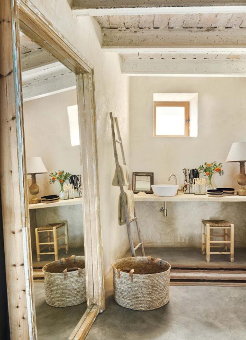 Sandra Tarruella Interiorists Offers The Best Modern Bathroom Designs
