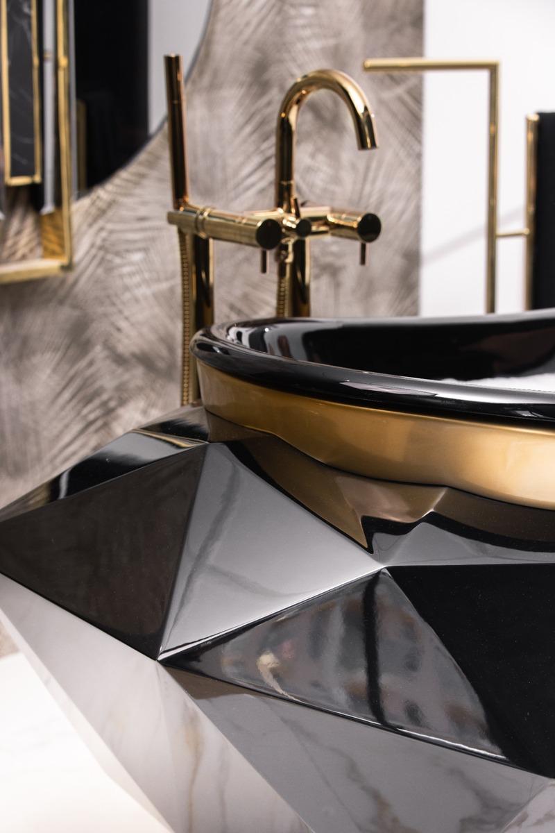Moon Bathroom: A Luxurious Showroom To Astonish