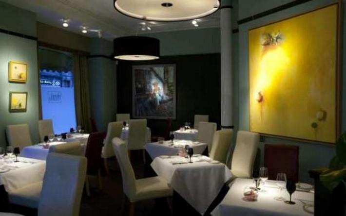 5 AMAZING MICHELIN-STARRED RESTAURANTS IN EDINBURGH  5 AMAZING MICHELIN-STARRED RESTAURANTS IN EDINBURGH Amazing Michelin starred restaurant Plummed Horse Edinburg interior