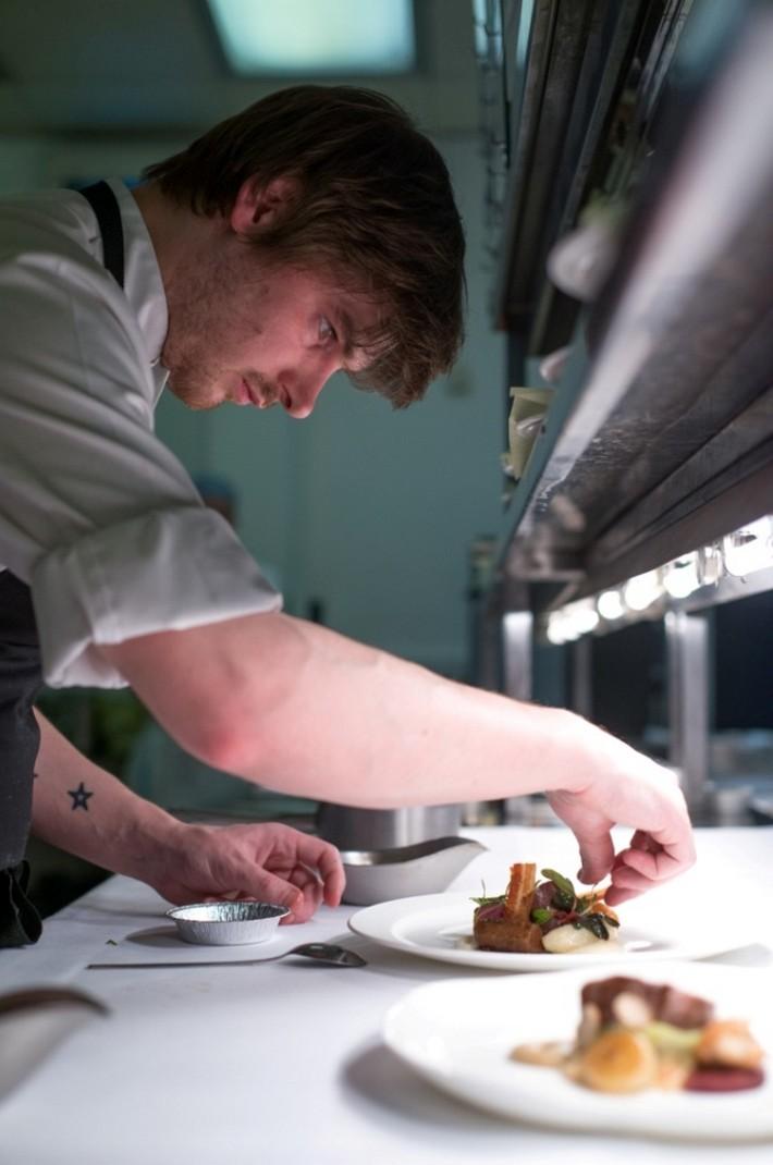 5 AMAZING MICHELIN-STARRED RESTAURANTS IN EDINBURGH  5 AMAZING MICHELIN-STARRED RESTAURANTS IN EDINBURGH Michelin starred restaurant Number One chef