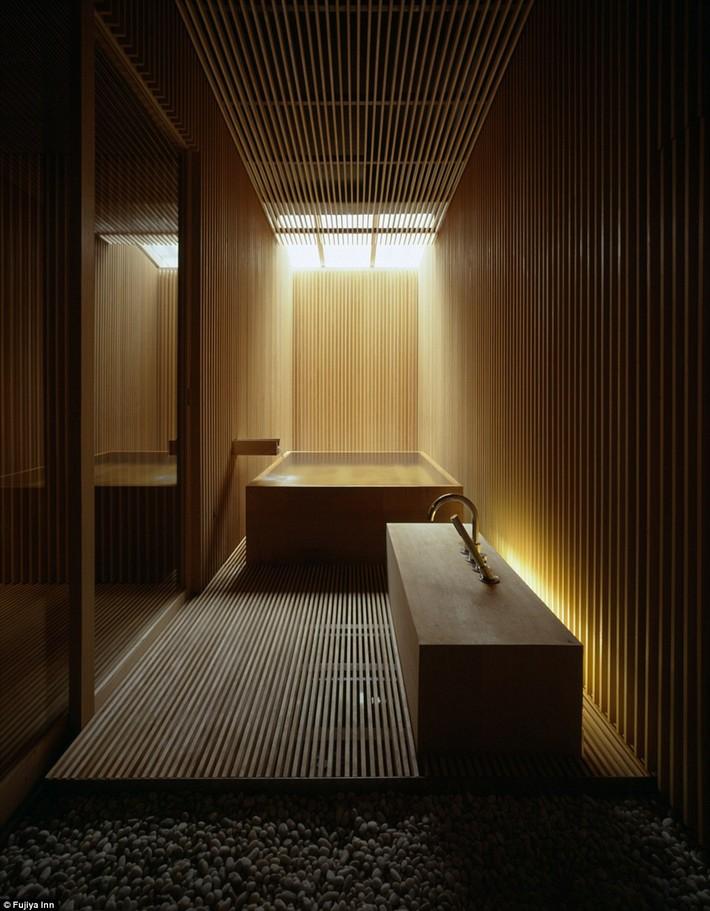 1412264520010_wps_21_ginzan_onsen_fujiya_kengo  The world's most luxurious hotel bathrooms revealed 1412264520010 wps 21 ginzan onsen fujiya kengo
