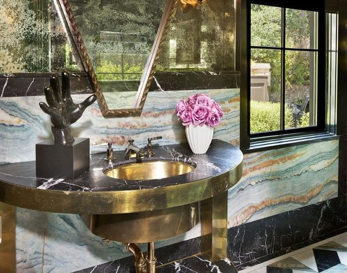 Beautiful Marble Details for your luxury bathroom