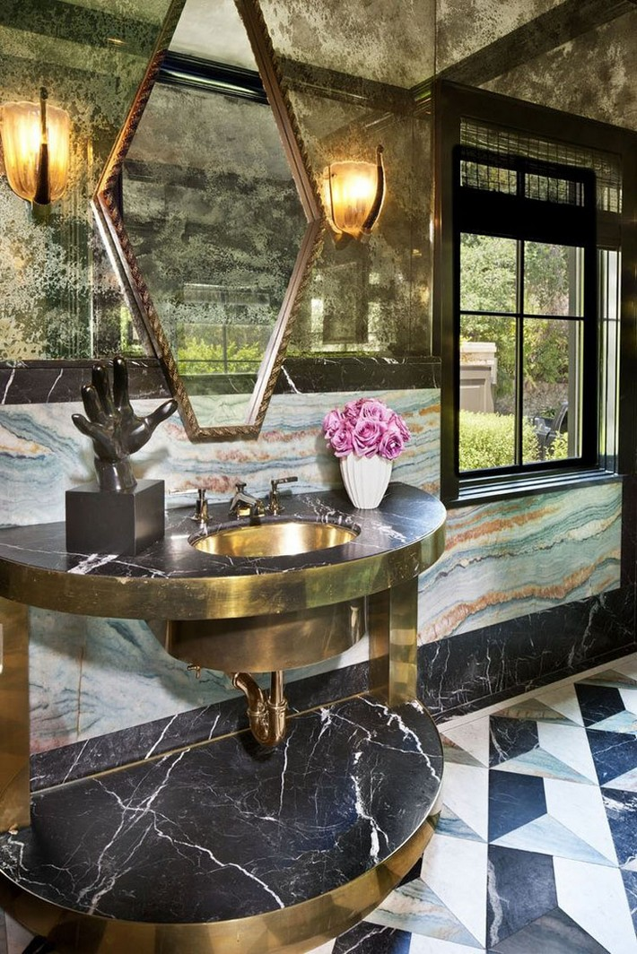 Beautiful marble details for your luxury bathroom - Luxury home decor ideas ...