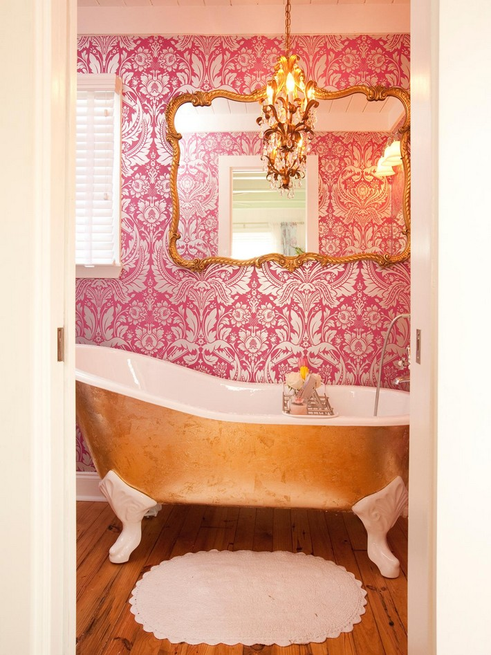 bathroom-lighting-1 chandelier Luxurious Bathrooms with Elegant Chandelier Lighting bathroom lighting 1