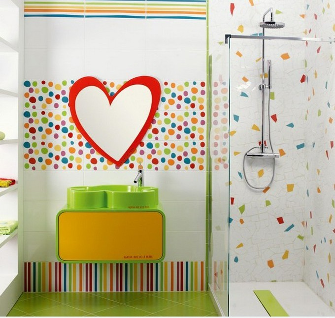 Love Shaped Mirror kids bathrooms Colorful and funny kids bathrooms designs Love Shaped Mirror e1449489568868