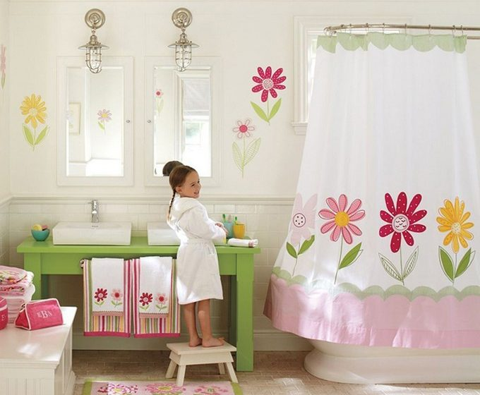 kids bathrooms Colorful and funny kids bathrooms designs girls bathroom e1449489527798 680x560