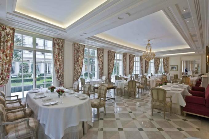 Guide-to-Paris-Epicure-Luxury-Restaurant