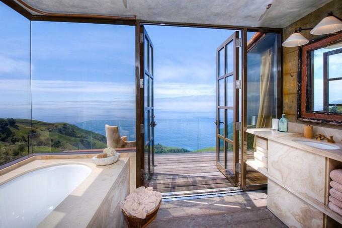 Modern bathrooms with ocean views for View bathroom designs