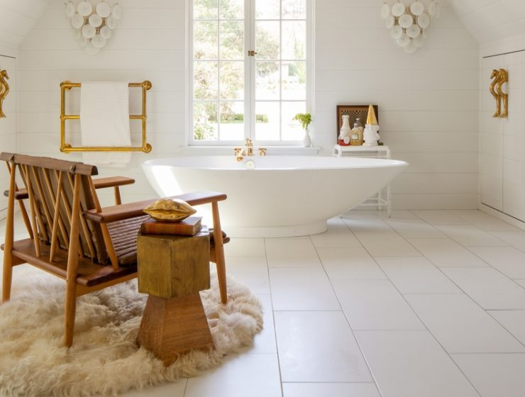 bathrooms with living room style Get Inspired With These Bathrooms with Living Room Style Get Inspired With These Bathrooms with Living Room Style 740x560
